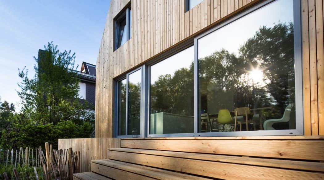 Anbau aus Holz: Haus Wiebach mit der Terrasse aus Holz