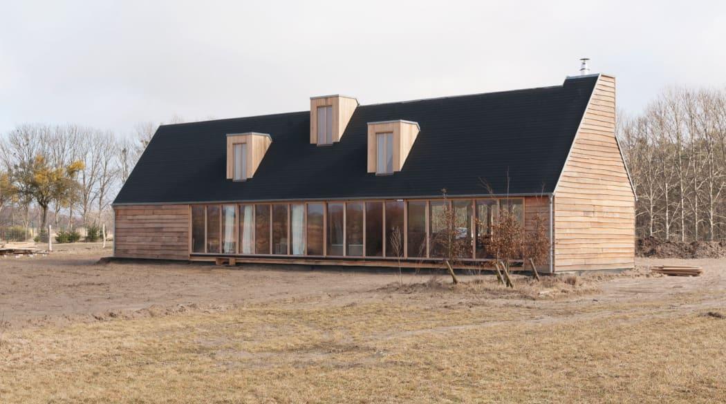 Thomas Kröger Architekt: das Schwarze Haus in der Uckermark