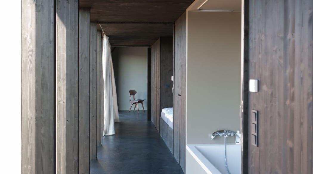 Thomas Kröger Architekt: das Schwarze Haus in der Uckermark von innen gesehen