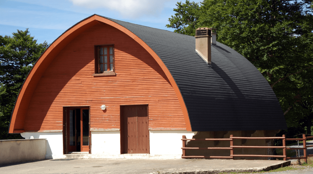 Tonnendach: ein Spitztonnendach