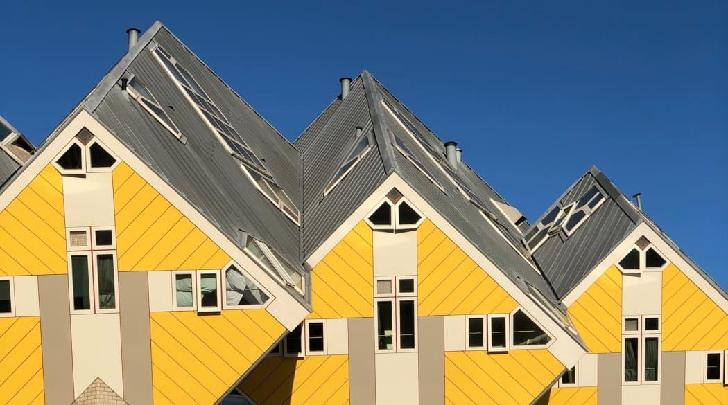 Weltbekannte Dächer: Kubushäuser in Rotterdam