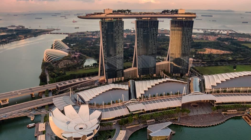 Das Hochhaus Marina Bay Sands in Singapur