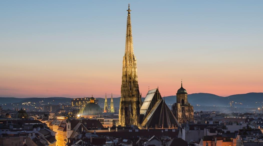 Stephansdom in Wien bei Dämmerung