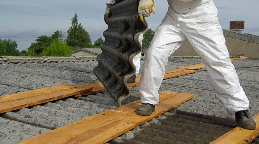 Asbestentsorgung auf dem Dach